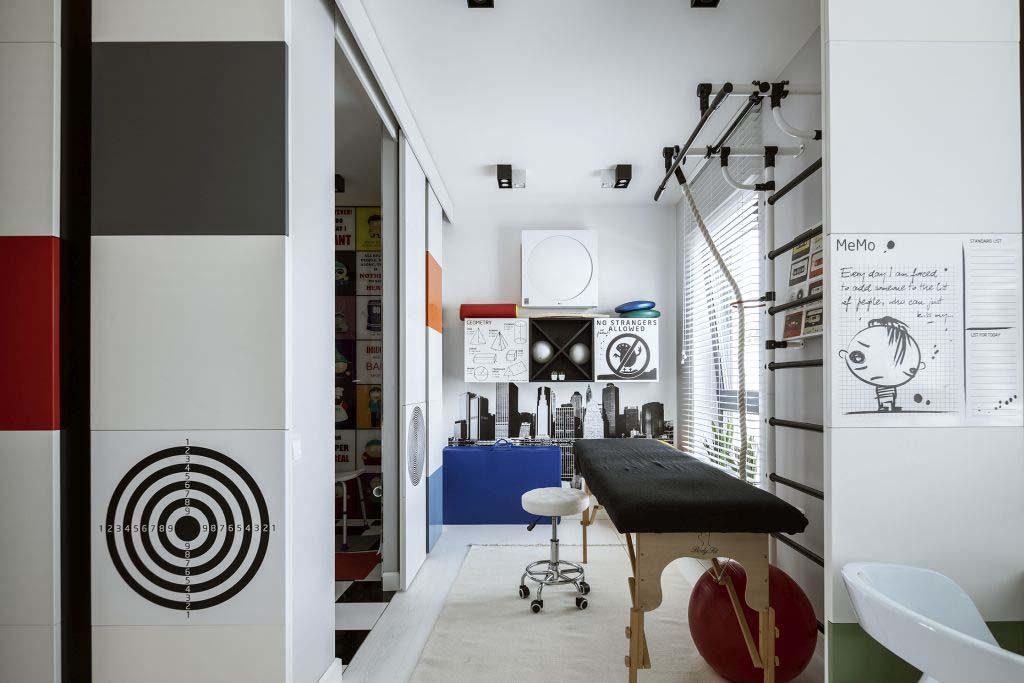 przestrzeń dedykowana nastoletniemu synowi właścicieli. W sypialni, łazience i pokoju ćwiczeń jest jasno, przestronnie i kolorowo!